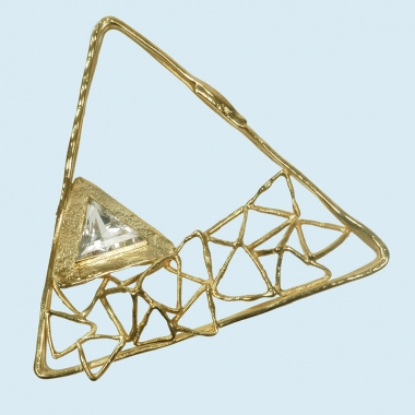 brooches - B 24 - Brooch: gold, synthetic corundum (SW)