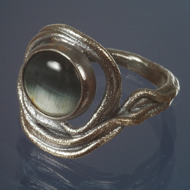 rings - P 18 - Ring: oxidized silver, cat´s eye