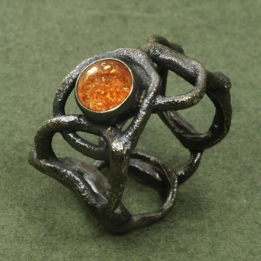 rings - P 15 - Ring: oxidized silver, sunstone