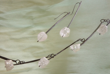 others - S 10 - Necklace and Earrings: oxidized silver, rock crystal